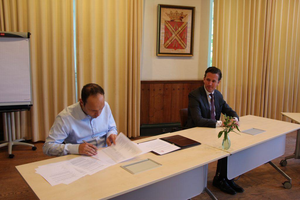 20200723 Dijkhof Bouw - Overeenkomst tekenen Kasteel Wijchen (36)