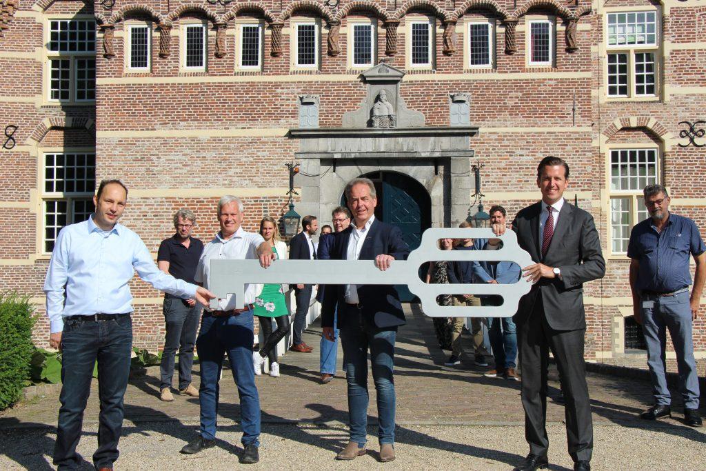 20200723 Dijkhof Bouw - Overeenkomst tekenen Kasteel Wijchen (6)